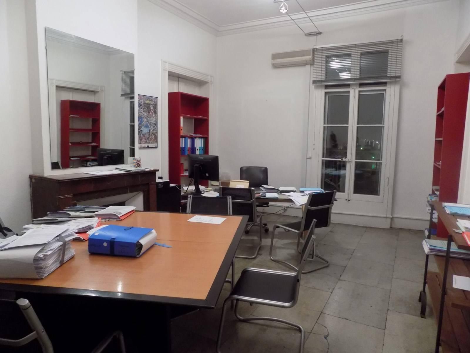 Nettoyage et entretien de bureaux castelnau le lez a s e for Entretien jardin castelnau le lez